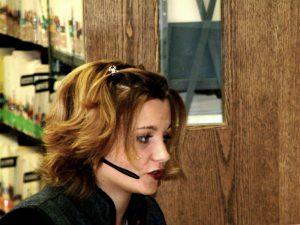 phone-girl-1466347 (1)